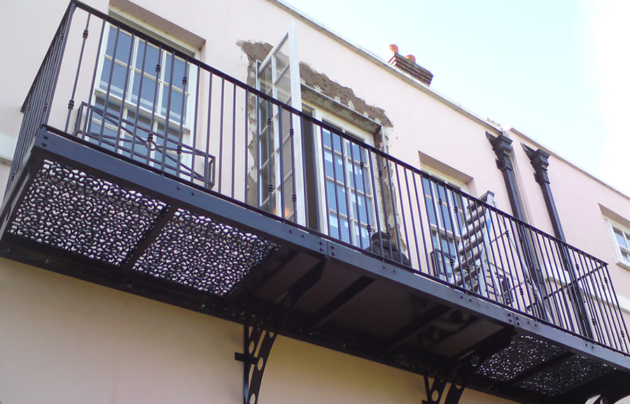R and g metal products staircases and balconies for Balcony company